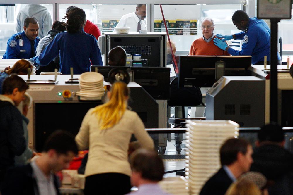 Como Passar Sem Problema Pela Segurança nos Aeroportos